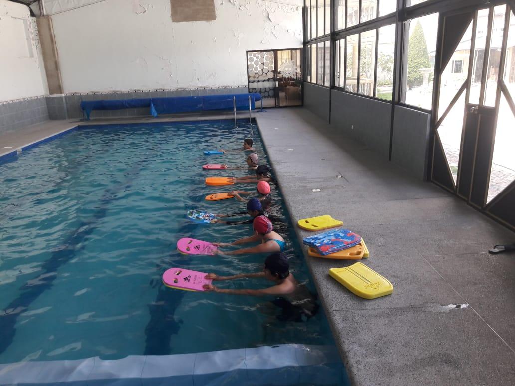 natación jóvenes